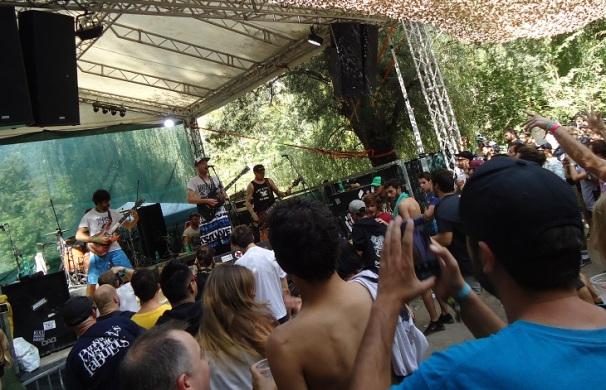 Straightline Punk Rock Holiday