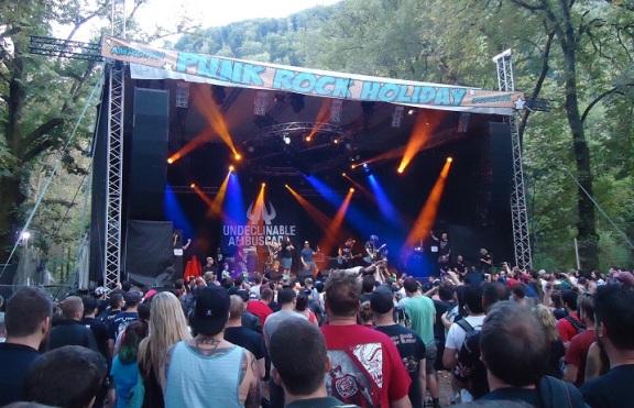 Undeclinable Ambuscade Punk Rock Holiday