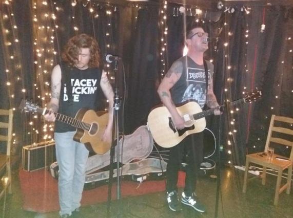 Ray Rocket Fraser Muderburger Live.jpg