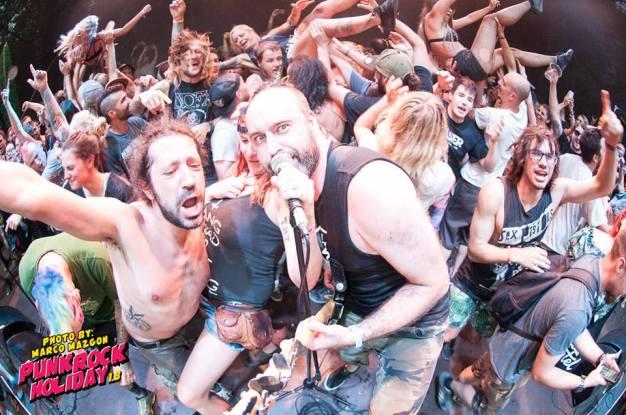 Mute Punk Rock Holiday cred Marco Mazgon 2.jpg
